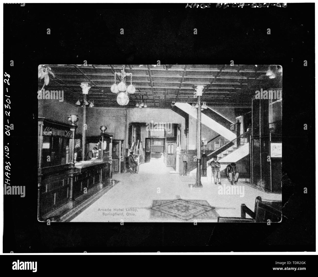 Photograph of postcard (from the Clark County Historical Society, Springfield, Ohio, date 12-10-1923) ARCADE HOTEL, LOBBY, VIEW SOUTH - Arcade Hotel, Fountain Avenue, bounded by High and Washington Streets, Springfield, Clark County, OH - Stock Image