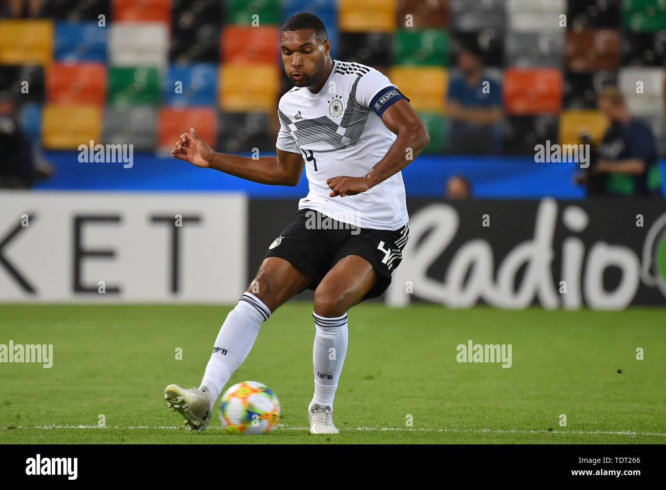 Udine, Italien. 17th June, 2019. Jonathan TAH (GER), Action, Single Action, Frame, Cut Out, Full Body, Whole Figure. Germany (GER) -Daenemark (DEN) 3-1, on 17.06.2019 Stadio Friuli Udine. Football U-21, UEFA Under21 European Championship in Italy/SanMarino from 16.-30.06.2019. | Usage worldwide Credit: dpa/Alamy Live News - Stock Image