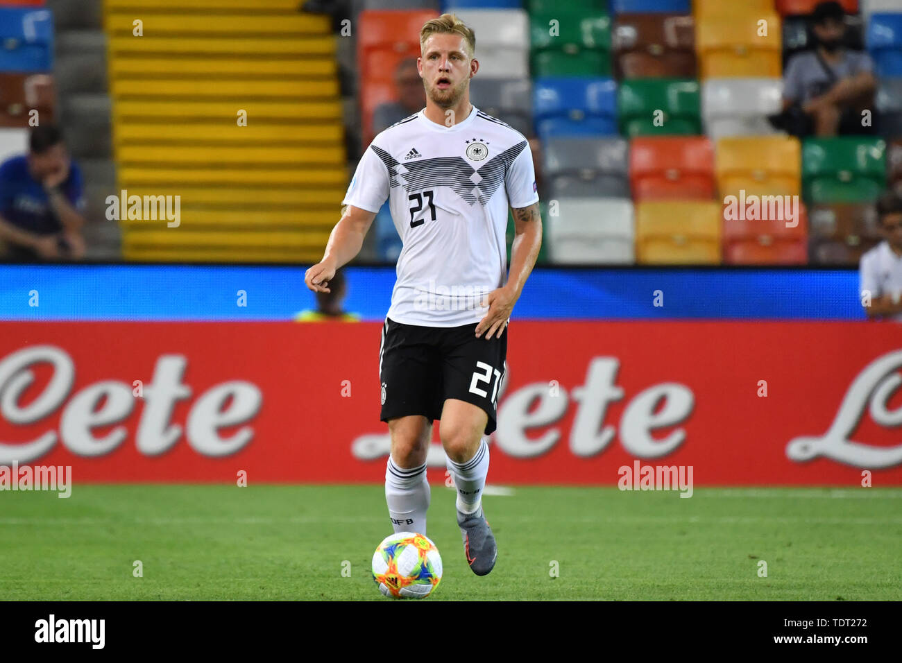 Udine, Italien. 17th June, 2019. Arne MAIER (GER), Action, Single Action, Frame, Cut Out, Full Body, Whole Figure. Germany (GER) -Daenemark (DEN) 3-1, on 17.06.2019 Stadio Friuli Udine. Football U-21, UEFA Under21 European Championship in Italy/SanMarino from 16.-30.06.2019. | Usage worldwide Credit: dpa/Alamy Live News - Stock Image