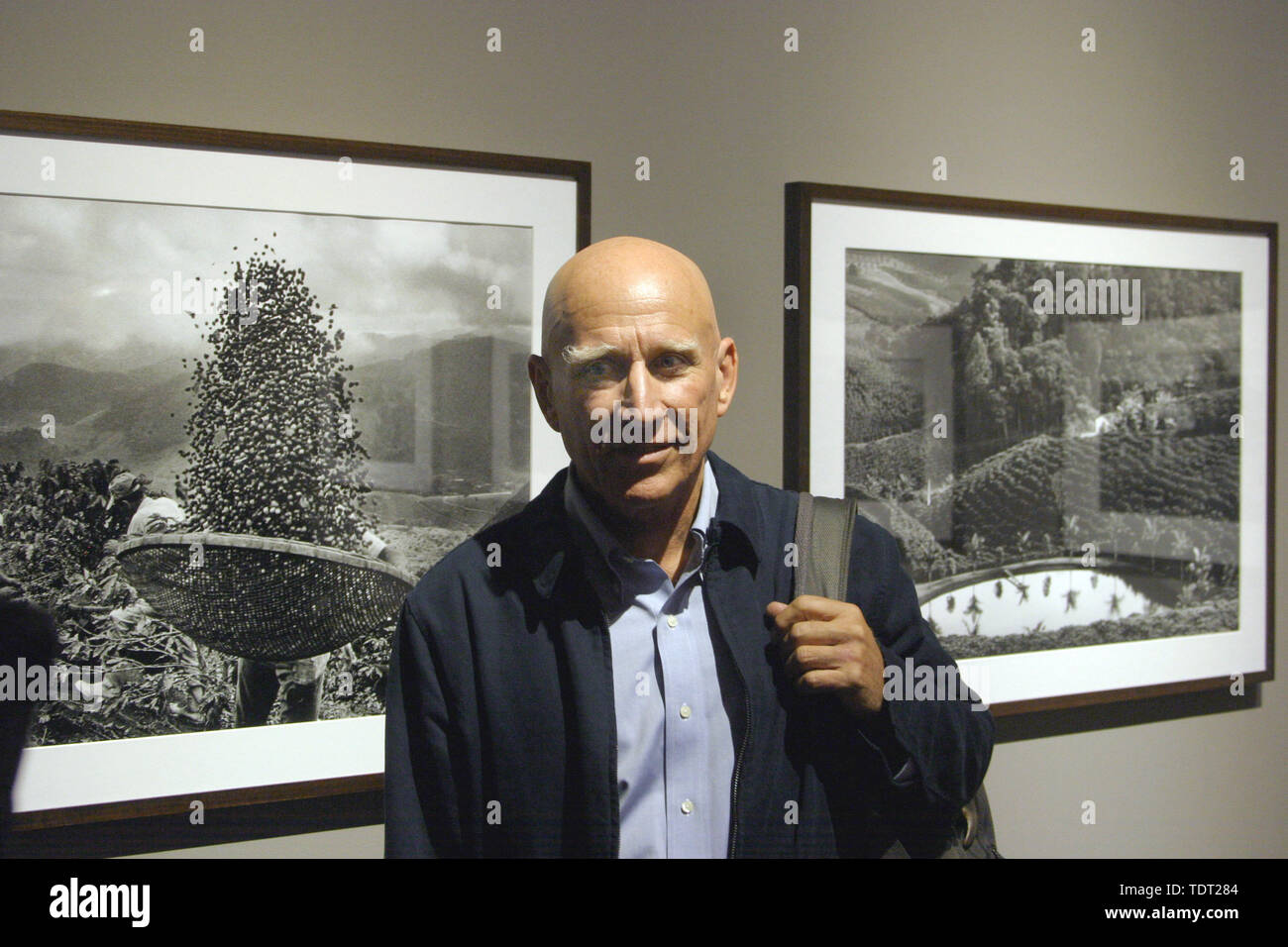 Berlin, Deutschland. 05th Sep, 2008. The Brazilian photographer Sebastiao Salgado at a press conference for the exhibition opening 'A photographic journey on the trail of coffee' in the co gallery on Friday (05.09.2008) in Berlin. Credit: Xamax     (c) dpa - Report     | usage worldwide/dpa/Alamy Live News - Stock Image