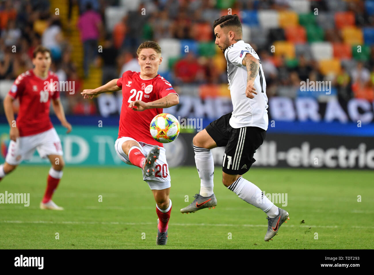 Marco RICHTER (GER), action, duels versus Magnus Kofod ANDERSEN (DEN). Germany (GER) -Daenemark (DEN) 3-1, on 17.06.2019 Stadio Friuli Udine. Football U-21, UEFA Under21 European Championship in Italy/SanMarino from 16.-30.06.2019. | Usage worldwide - Stock Image