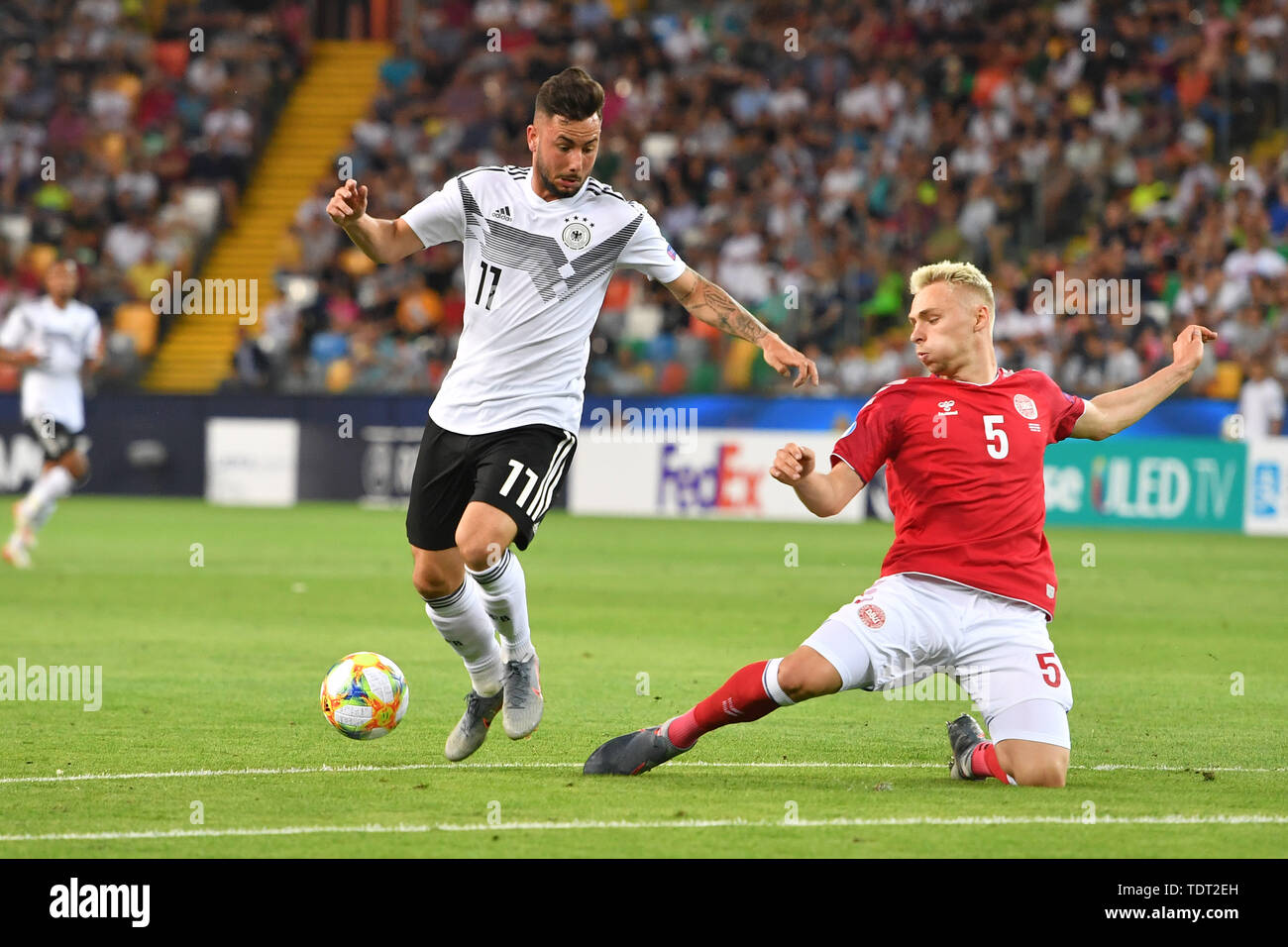 Marco RICHTER (GER), action, duels versus Victor NELSSON (DEN). Germany (GER) -Daenemark (DEN) 3-1, on 17.06.2019 Stadio Friuli Udine. Football U-21, UEFA Under21 European Championship in Italy/SanMarino from 16.-30.06.2019. | Usage worldwide - Stock Image