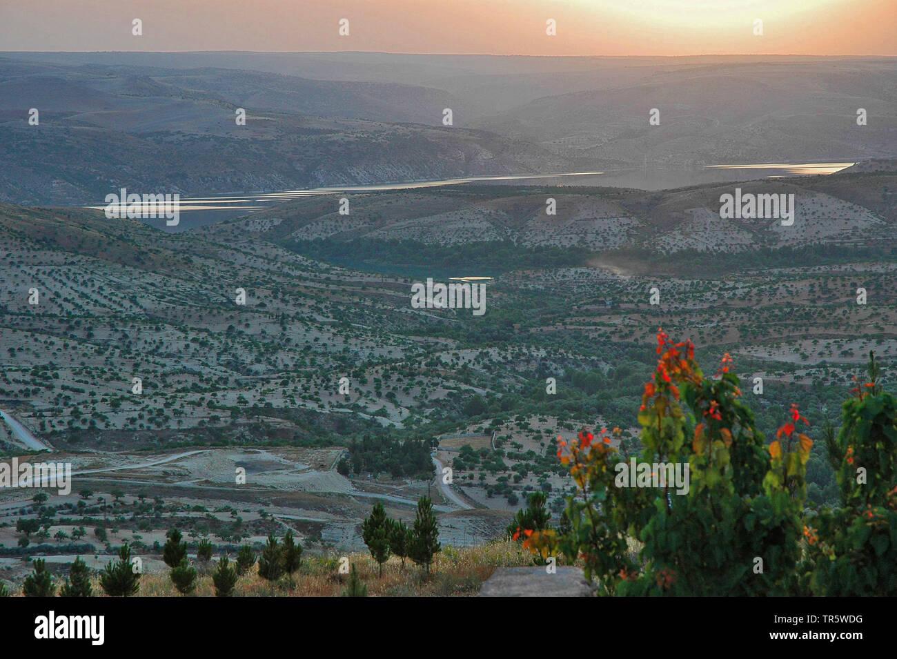 Fluss Euphrat bei Birecik, Tuerkei, Anatolien, Ostanatolien | river Euphrates near Birecik, Turkey, Anatolia, East Anatolia | BLWS466628.jpg [ (c) bli - Stock Image