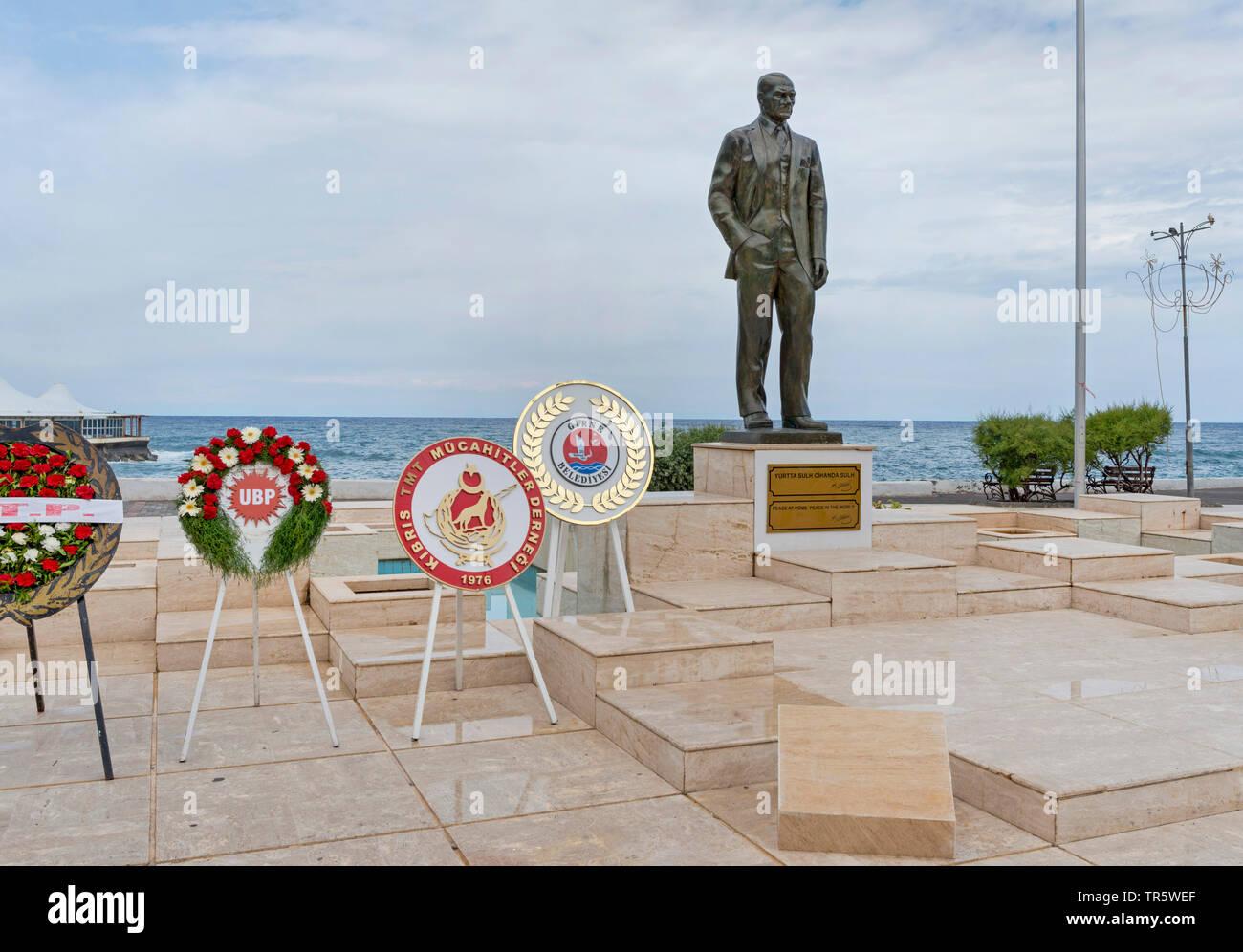 Statue von Mustafa Kemal Atatuerk, Zypern, Nordzypern, Girne | statie of Mustafa Kemal Atatuerk, Cyprus, Nordzypern, Girne | BLWS466659.jpg [ (c) blic - Stock Image