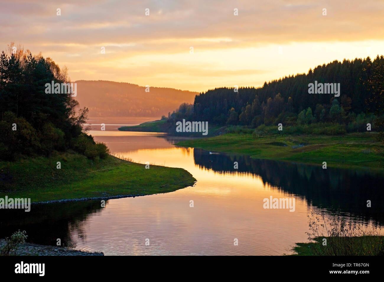 reservoir Grosse Dhuenntalsperre, Germany, North Rhine-Westphalia, Bergisches Land, Wermelskirchen - Stock Image