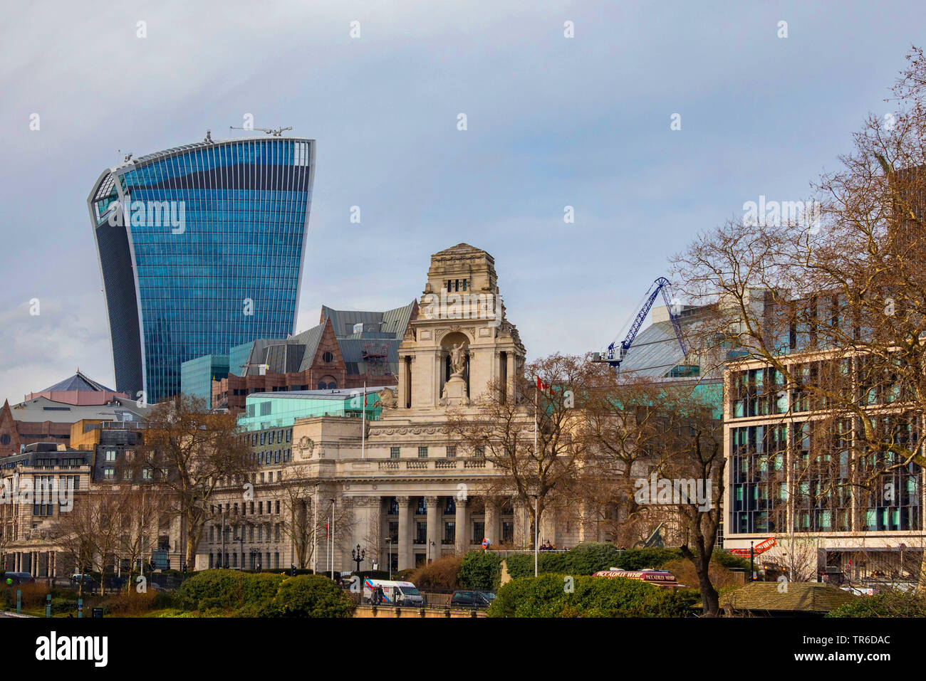 20 Fenchurch Street and Four Seasons Hotel in foreground, United Kingdom, England, London Stock Photo