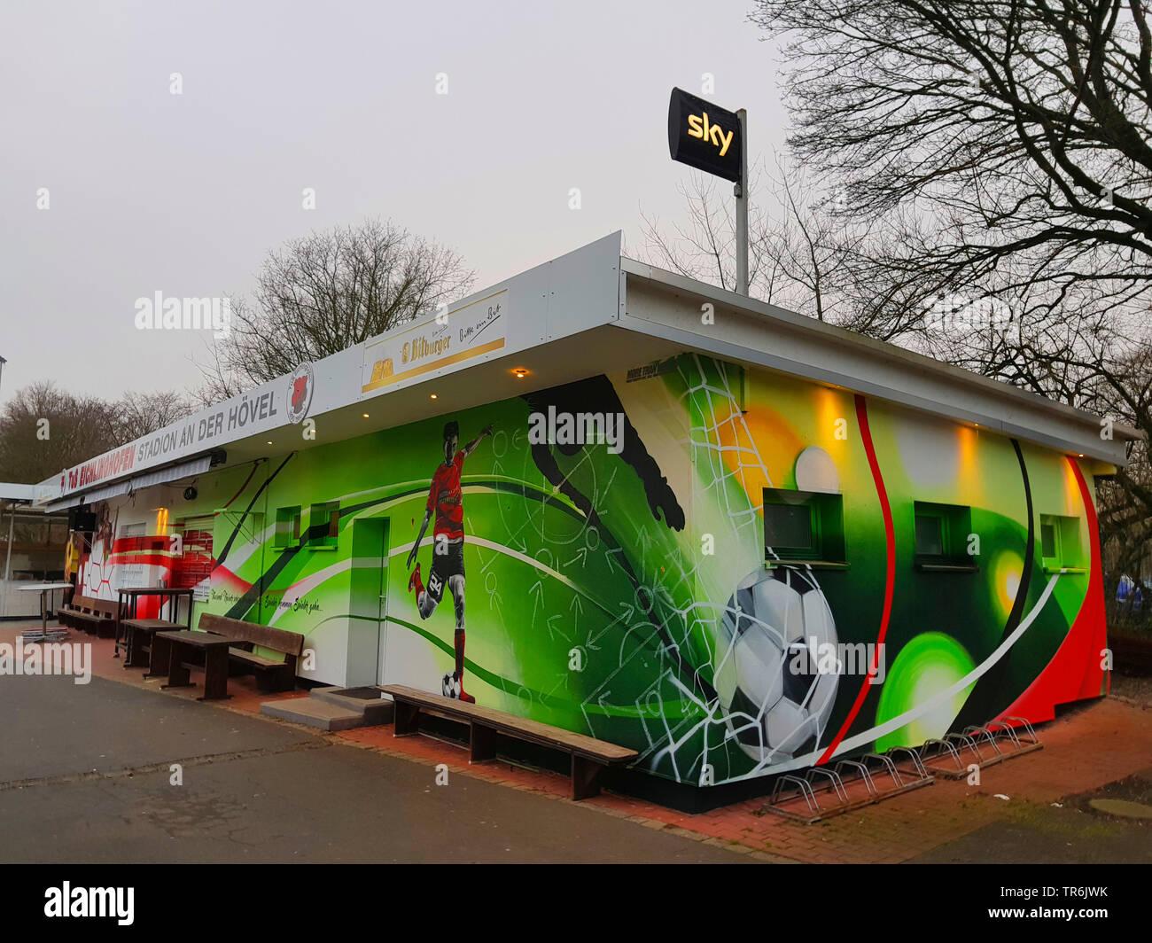 bunt bemaltes Fussballvereinshaeuschen an einem Fussballstadion, Deutschland | colourful football fan cottage at a stadium, Germany | BLWS485663.jpg [ - Stock Image