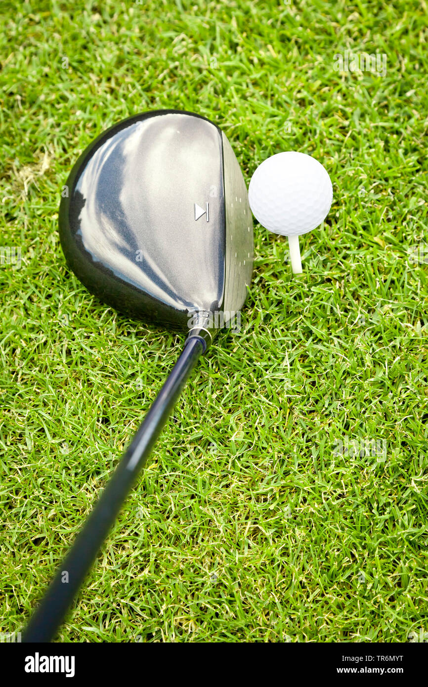 Golfschlaeger und Golfball am Abschlag, Deutschland | golf ball and club, Germany | BLWS487401.jpg [ (c) blickwinkel/McPHOTO/M. Gann Tel. +49 (0)2302- - Stock Image