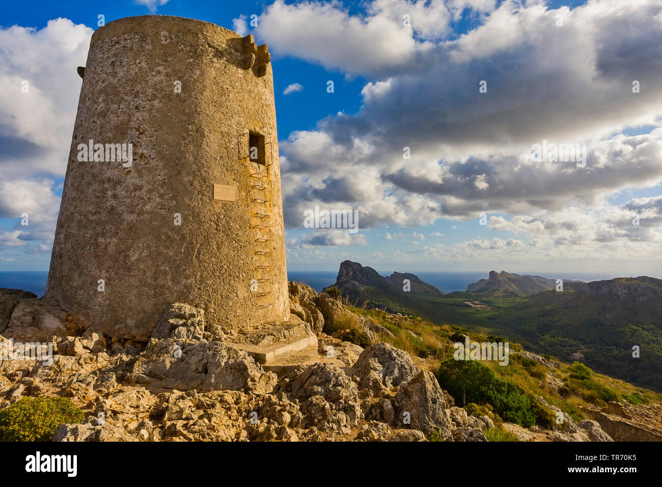 historischer Wachturm am Cap Formentor, Spanien, Balearen, Mallorca |  , historical defensive tower Cape Formentor, Spain, Balearic Islands, Majorca | - Stock Image