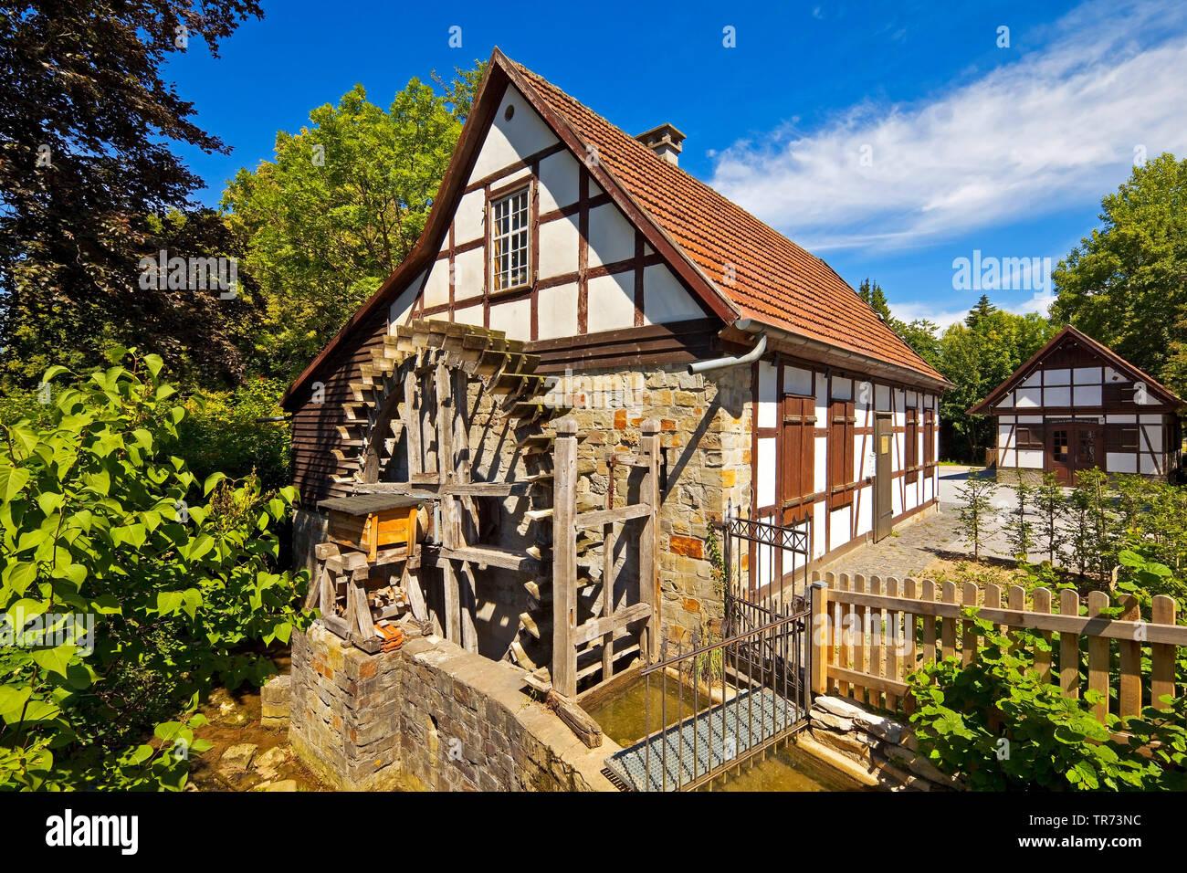 Historische Oelmuehle, Deutschland, Nordrhein-Westfalen, Ostwestfalen, Salzkotten | historic oil mill , Germany, North Rhine-Westphalia, East Westphal - Stock Image