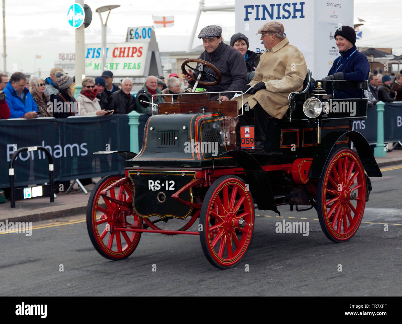 Mr Barry Weatherhead driving his1900 Daimler, across the finishing line of the 2018 London to Brighton Veteran Car Run - Stock Image