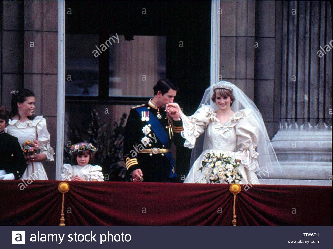 British Crown Issued to Celebrate  Prince Charles and Diana Wedding 1981