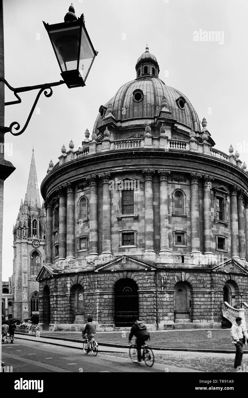 The Radcliffe Camera and St Mary's church, Oxford, Oxfordshire, England, UK - Stock Image