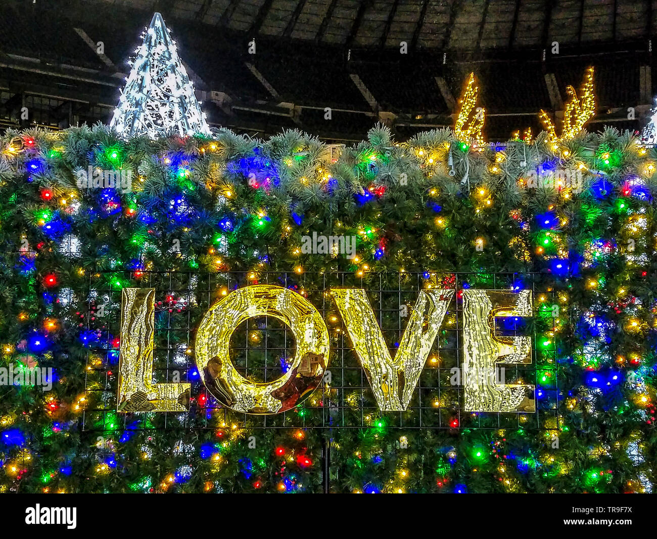Enchant Christmas Seattle.Enchant Christmas In Seattle With The World S Longest