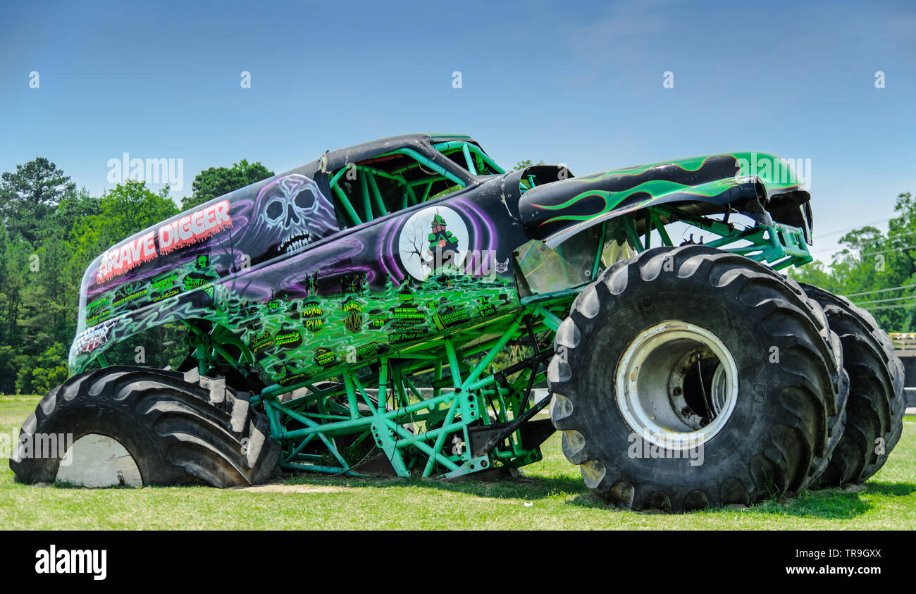 Grave Digger Monster Truck High Resolution Stock Photography And Images Alamy