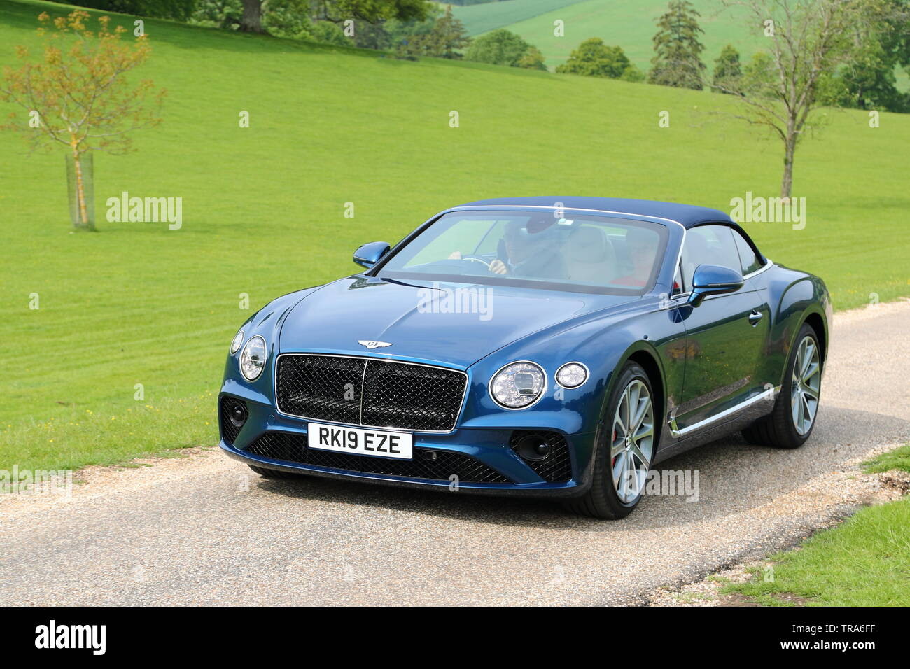 Bentley Convertible High Resolution Stock Photography And Images Alamy