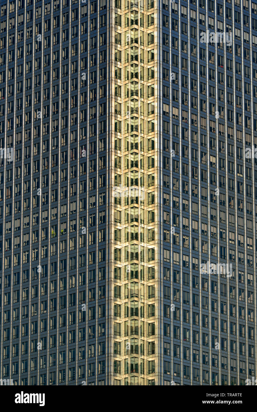 Stainless Steel facade, One Canada Square, Canary Wharf estate, East London, United Kingdom - Stock Image