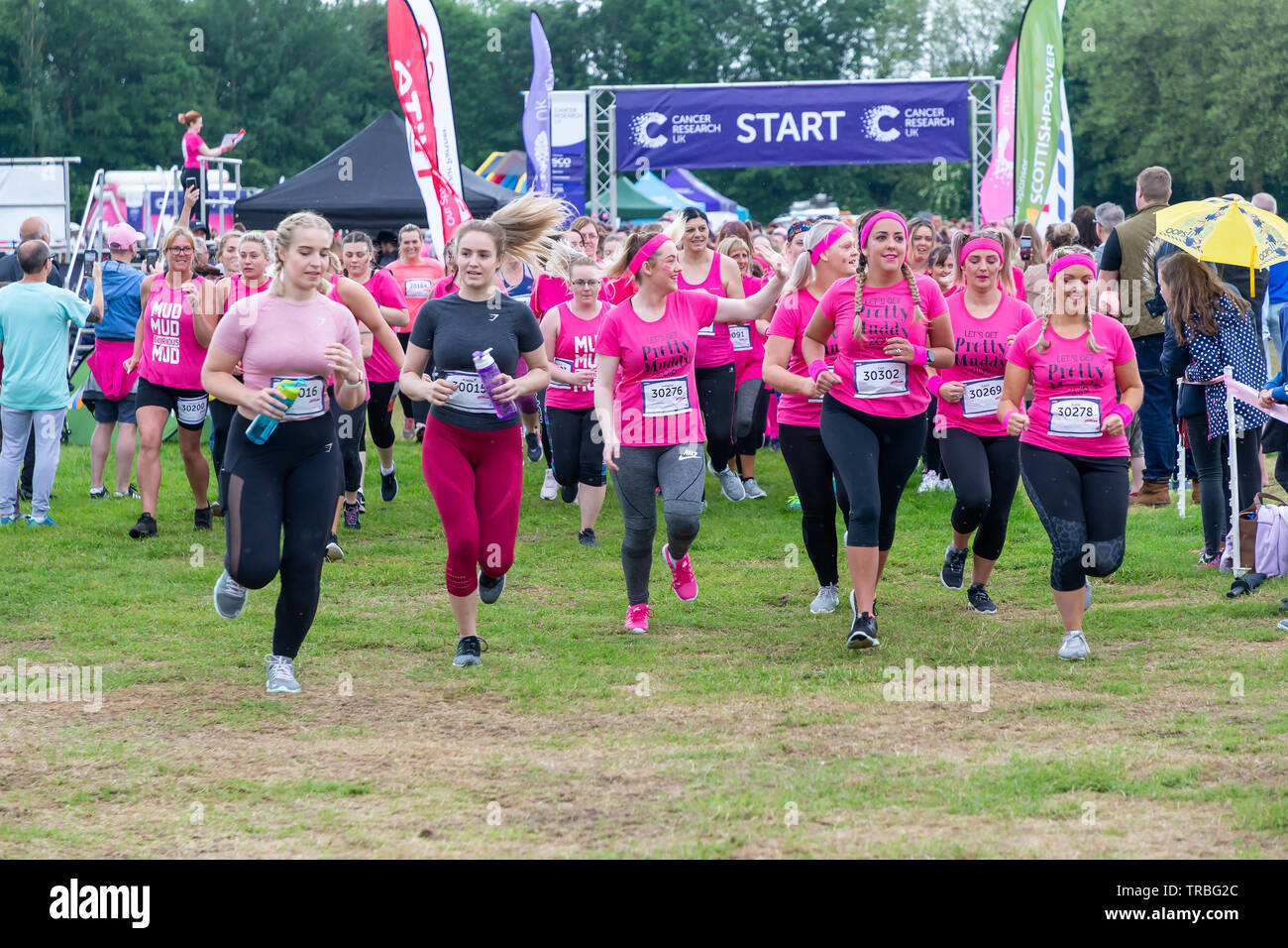 Warrington, UK. 2nd June 2019. Race for Life 2019, Warrington, in aid of Cancer Research. The start of one of the races Credit: John Hopkins/Alamy Live News - Stock Image