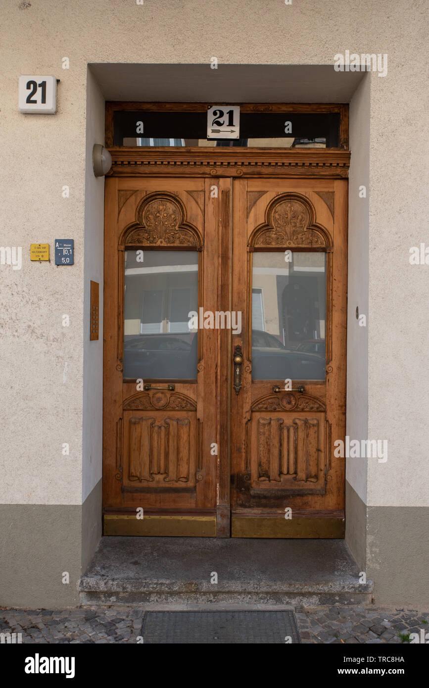 Türen in Charlottenburg, Berlin, Deutschland. //Doors in Charlottenburg, Berlin, Germany. //  Portes à Charlottenburg, Berlin, Allemagne. - Stock Image