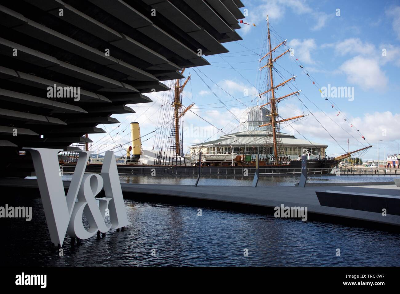 Dundee, UK, 12th September 2018: The V&A museum at Dundee opened alongside Captain Scott's RRS Discovery. Credit: Terry Murden, Alamy - Stock Image