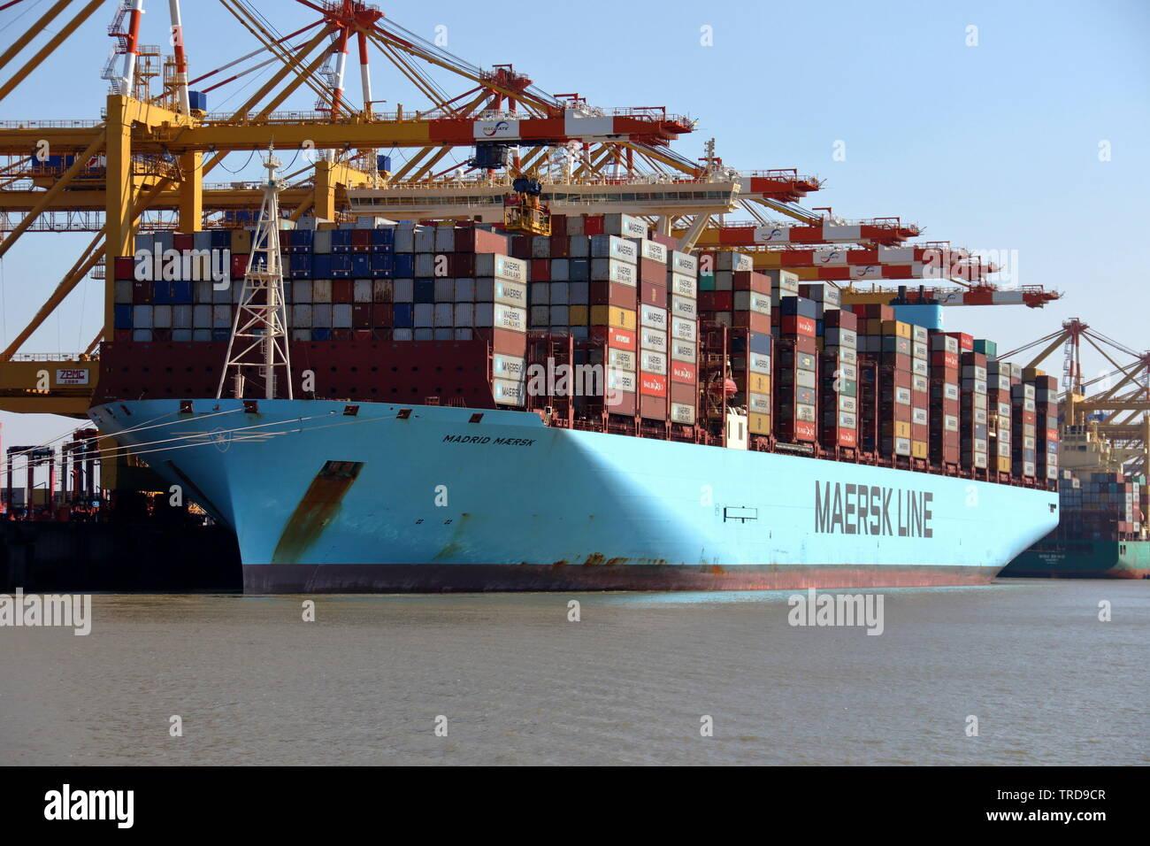 Shipping Terminal Stock Photos & Shipping Terminal Stock