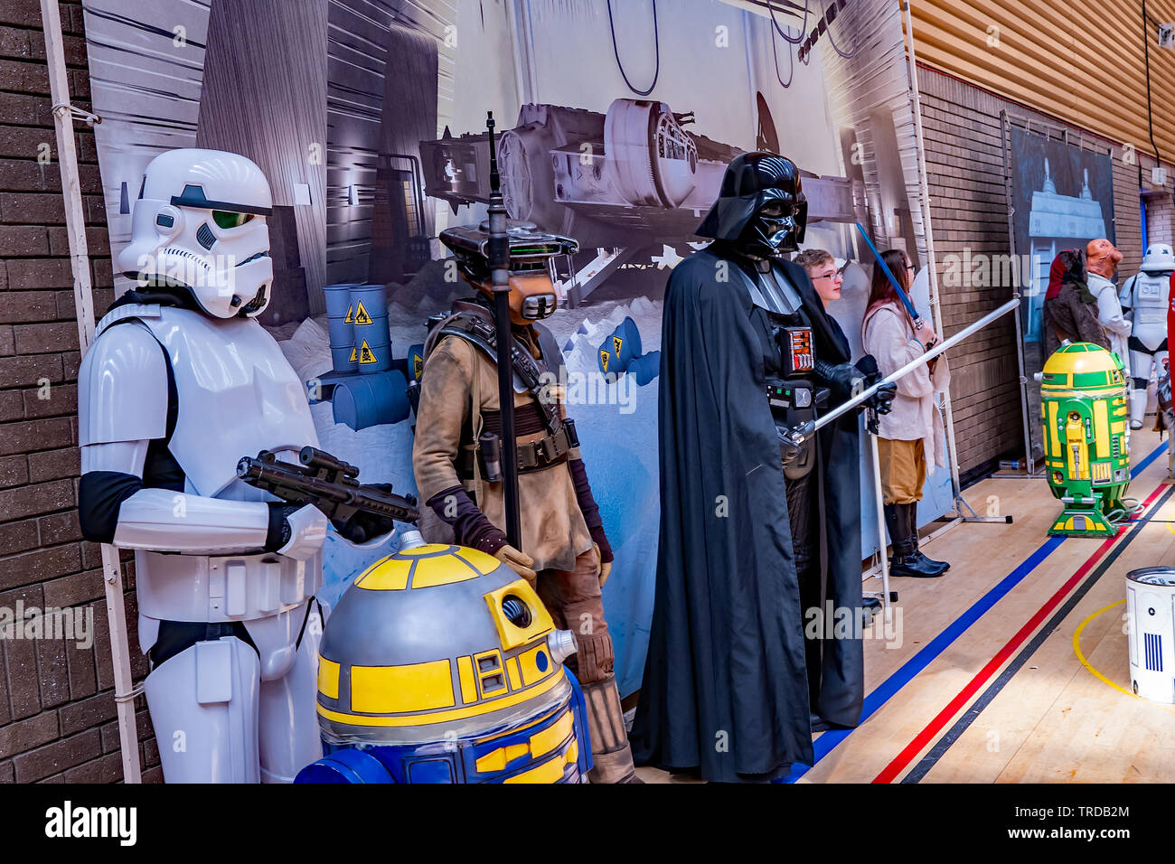Great Yarmouth Comicon 2019 – A group of people dressed up as characters from the hit film franchise Star Wars posing for photos at the Comicon event - Stock Image