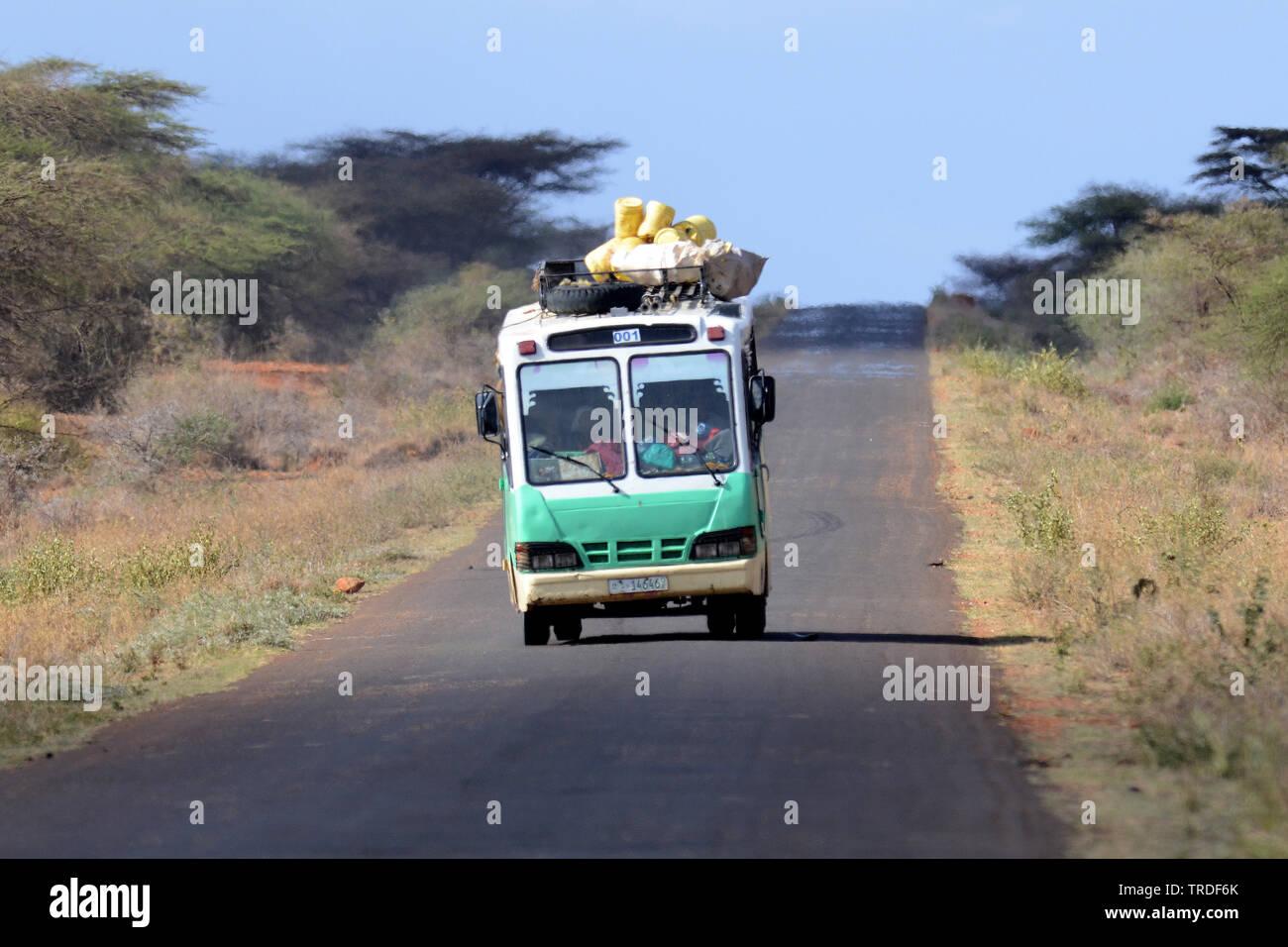 Linienbus in Aethiopien, Aethiopien   Local transport by bus in Ethiopia, Ethiopia   BLWS502356.jpg [ (c) blickwinkel/AGAMI/L. Steijn Tel. +49 (0)2302 - Stock Image