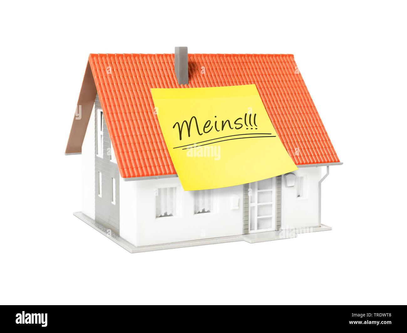 3D-Computergrafik, Alleinstehendes Einfamilienhaus mit gelbem Klebezettel mit der Aufschrift MEINS | 3D computer graphic, freestanding single house wi - Stock Image