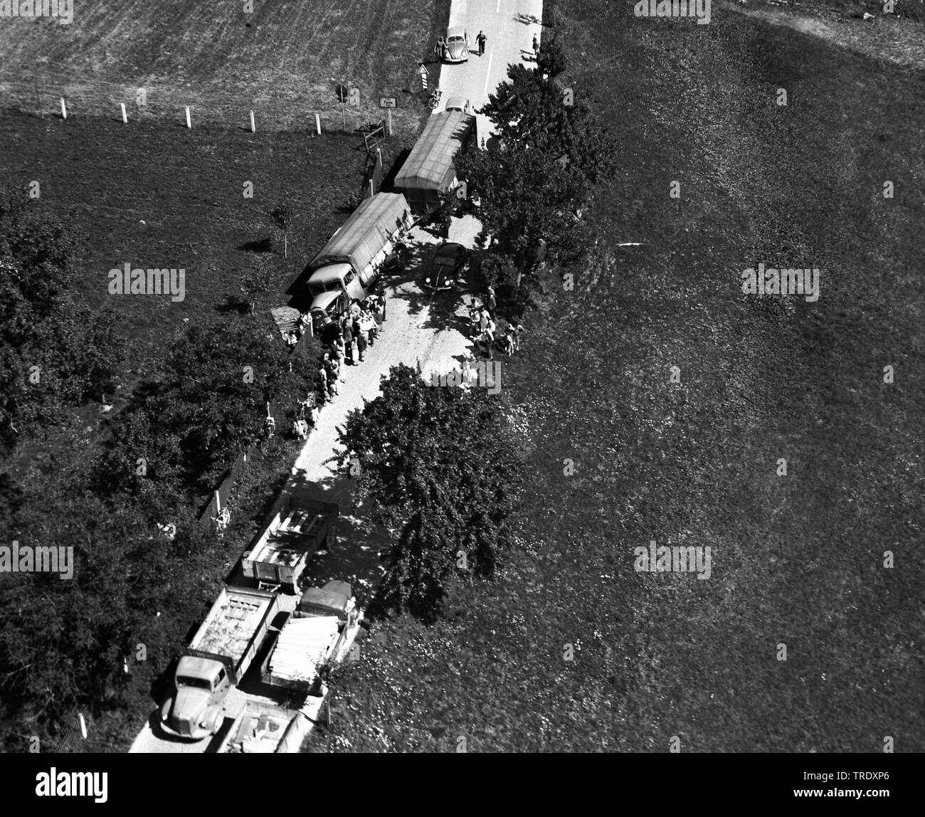 lorry accident on a country road in on a schollyard at Simbach/Inn, aerial photo from the year 1961, Germany, Bavaria, Niederbayern, Lower Bavaria, Simbach am Inn Stock Photo