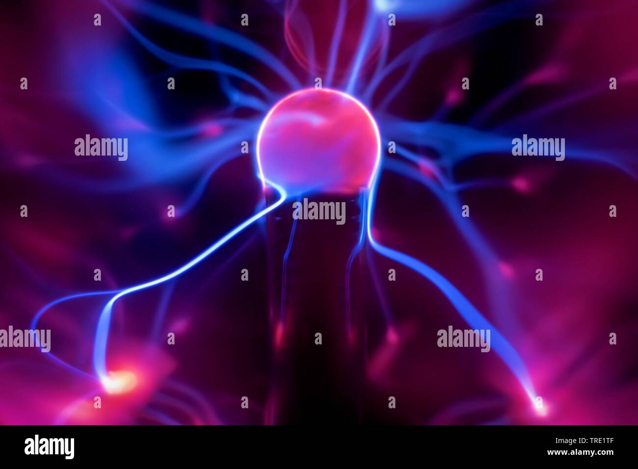 Plasmalampe mit elektrischer Entladung   plasma lamp with moving light beams   BLWS514904.jpg [ (c) blickwinkel/McPHOTO/M. Gann Tel. +49 (0)2302-27932 - Stock Image