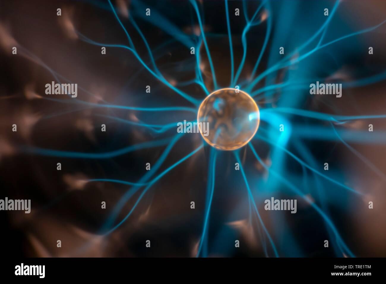 Plasmalampe mit elektrischer Entladung   plasma lamp with moving light beams   BLWS514903.jpg [ (c) blickwinkel/McPHOTO/M. Gann Tel. +49 (0)2302-27932 - Stock Image