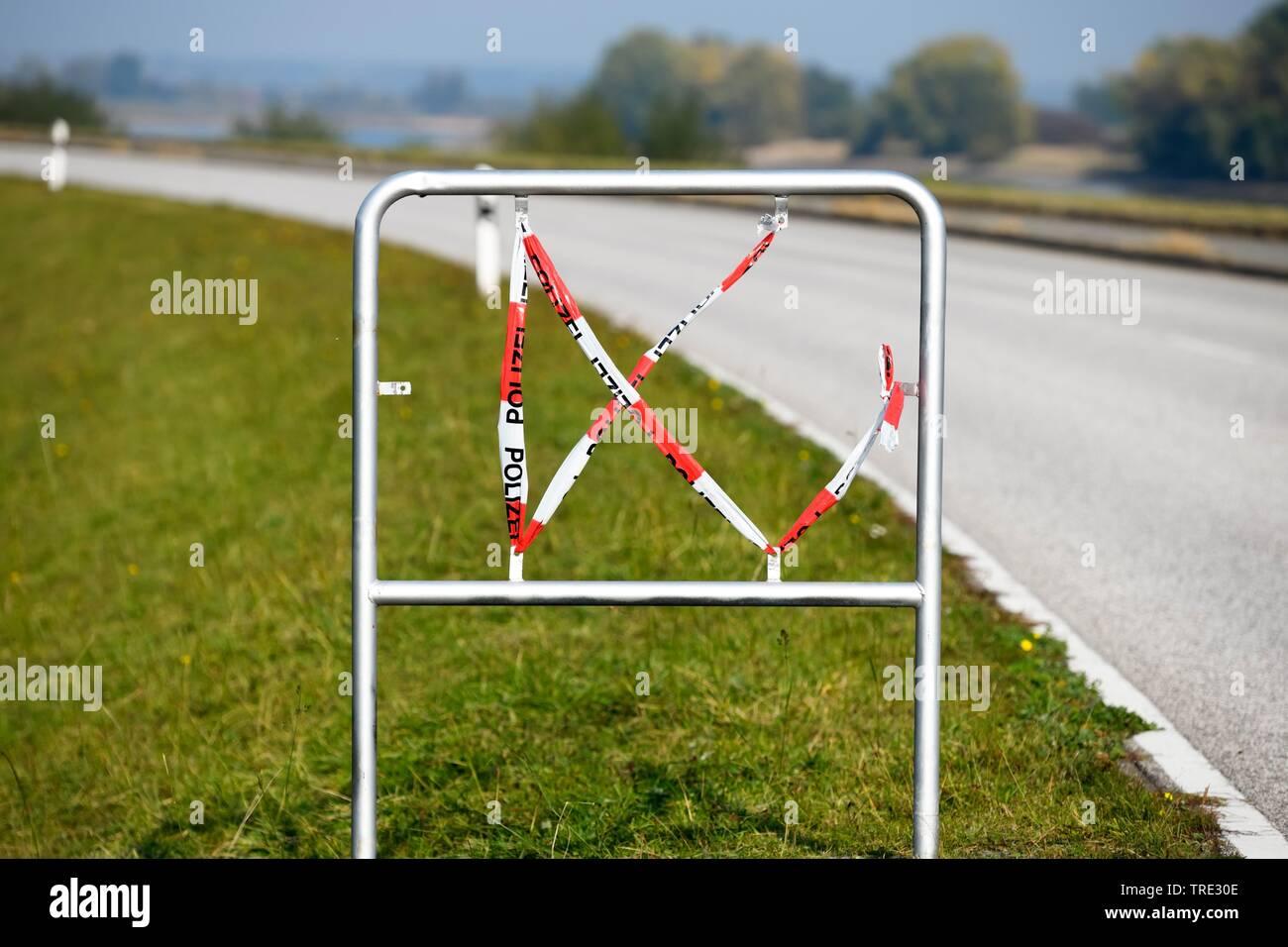 gestohlenes Ortsschild, Bundesrepublik Deutschland, Hamburg, Kirchwerder   stolen place name sign, Bundesrepublik Deutschland, Hamburg, Kirchwerder   - Stock Image
