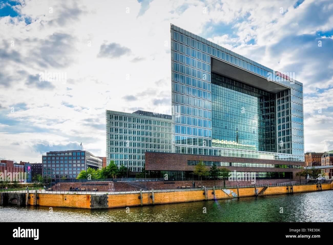 Spiegel-Gebaeude Ericusspitze in der HafenCity, Deutschland, Hamburg | Spiegel office building Ericusspitze in the HafenCity, Germany, Hamburg | BLWS5 - Stock Image