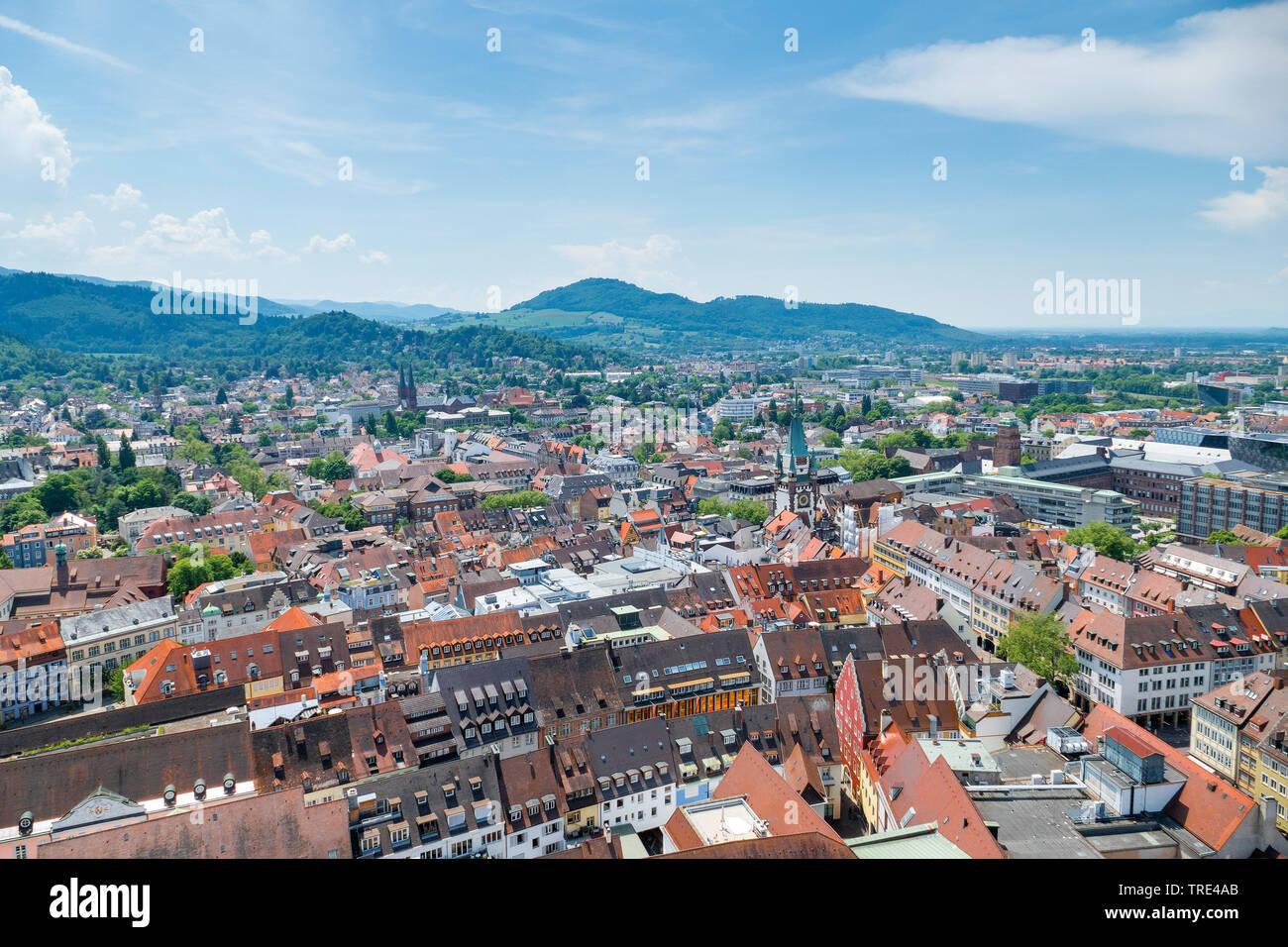 Stadtansicht von Freiburg im Breisgau, Deutschland, Baden-Wuerttemberg, Freiburg, Breisgau | View of Freiburg in the German region of Breisgau, German - Stock Image