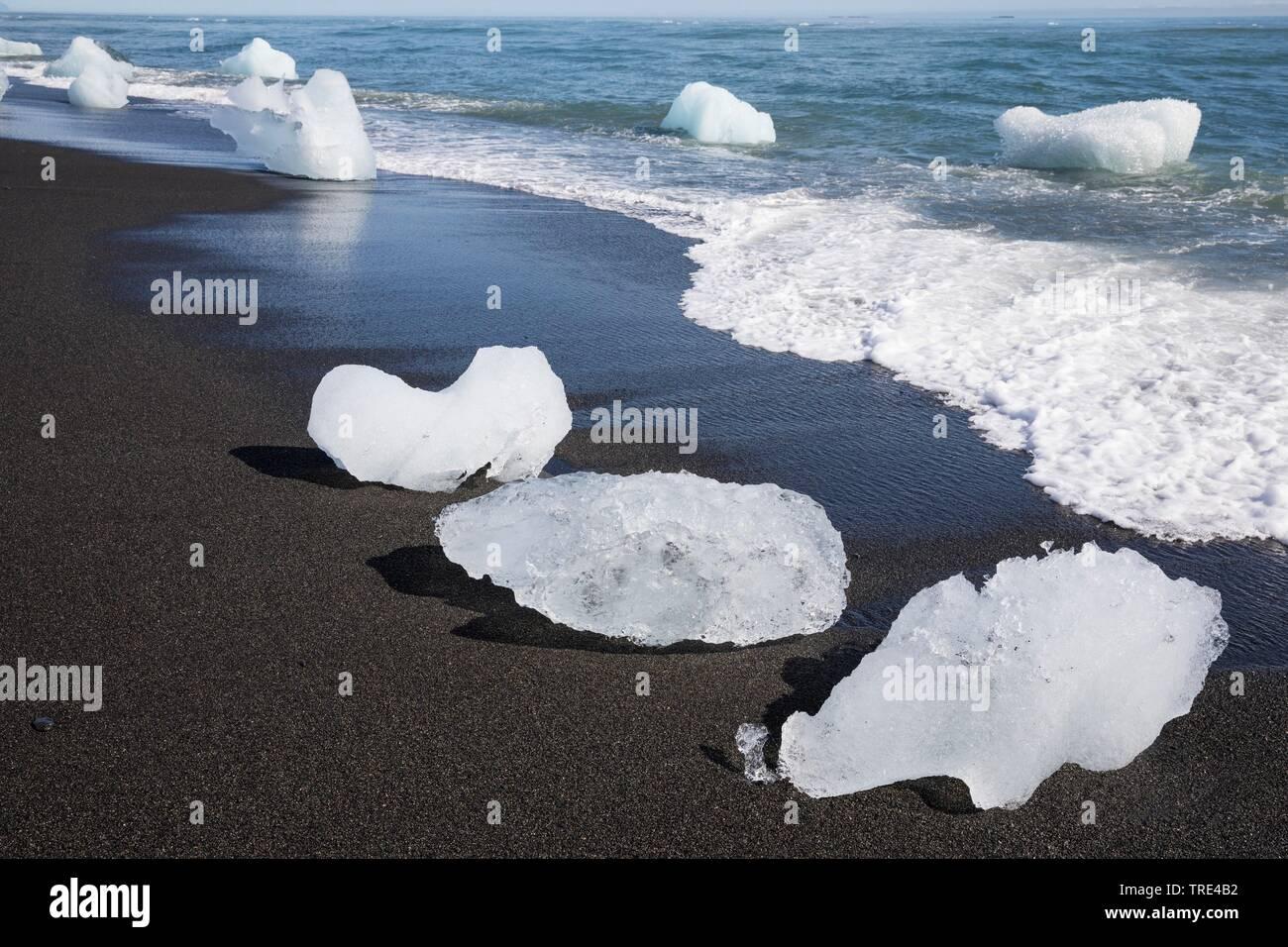 Eis am Strand, Island, Vatnajoekull Nationalpark | ice on the beach, Iceland, Vatnajoekull National Park | BLWS516948.jpg [ (c) blickwinkel/F. Hecker - Stock Image