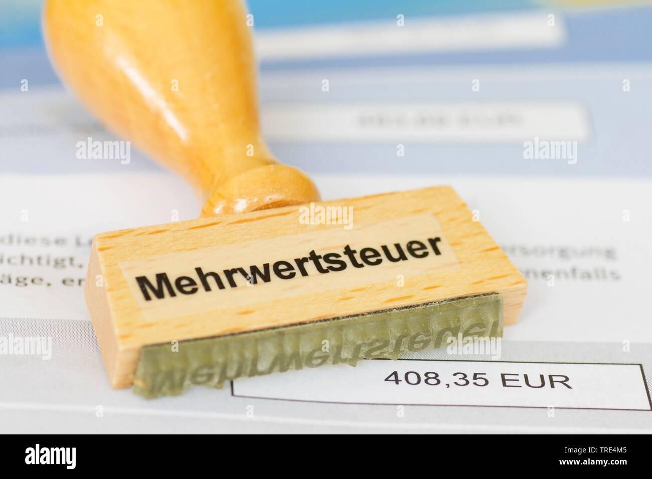 Stempel mit der Aufschrift Mehrwertsteuer, Deutschland | stamp lettering Mehrwertsteuer, value added tax, Germany | BLWS517204.jpg [ (c) blickwinkel/M - Stock Image