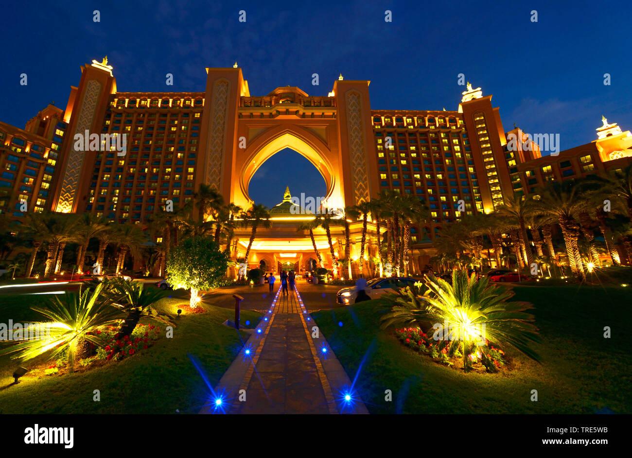 Hotel Atlantis the Palm am Abend, Vereinigte Arabische Emirate, Dubai   Atlantis the Palm Hotel in the evening, United Arab Emirates, Dubai   BLWS5180 - Stock Image