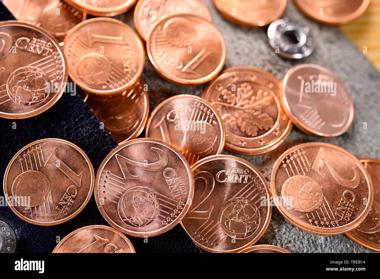 1- und 2-Centmuenzen - Diskussion ueber Abschaffung von Kleingeld   1 and 2 Cent coins - discussion about abolishing of coppers   BLWS521778.jpg [ (c) - Stock Image