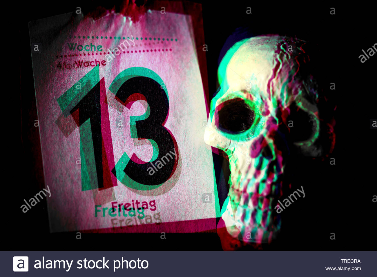 Kalenderblatt Freitag der 13. und Totenkopf, Deutschland | calender sheet Friday the 13th and skull, Germany | BLWS523137.jpg [ (c) blickwinkel/McPHOT - Stock Image