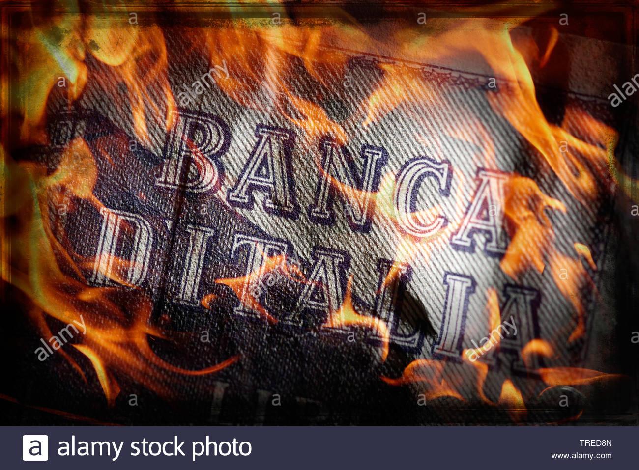 Alter, italienischer LIRA-Geldschein mit Aufdruck BANCA DITALIA (Italienische Bundesbank) - Banken-Krise | Old italian LIRA bill lettering BANCA DITAL - Stock Image