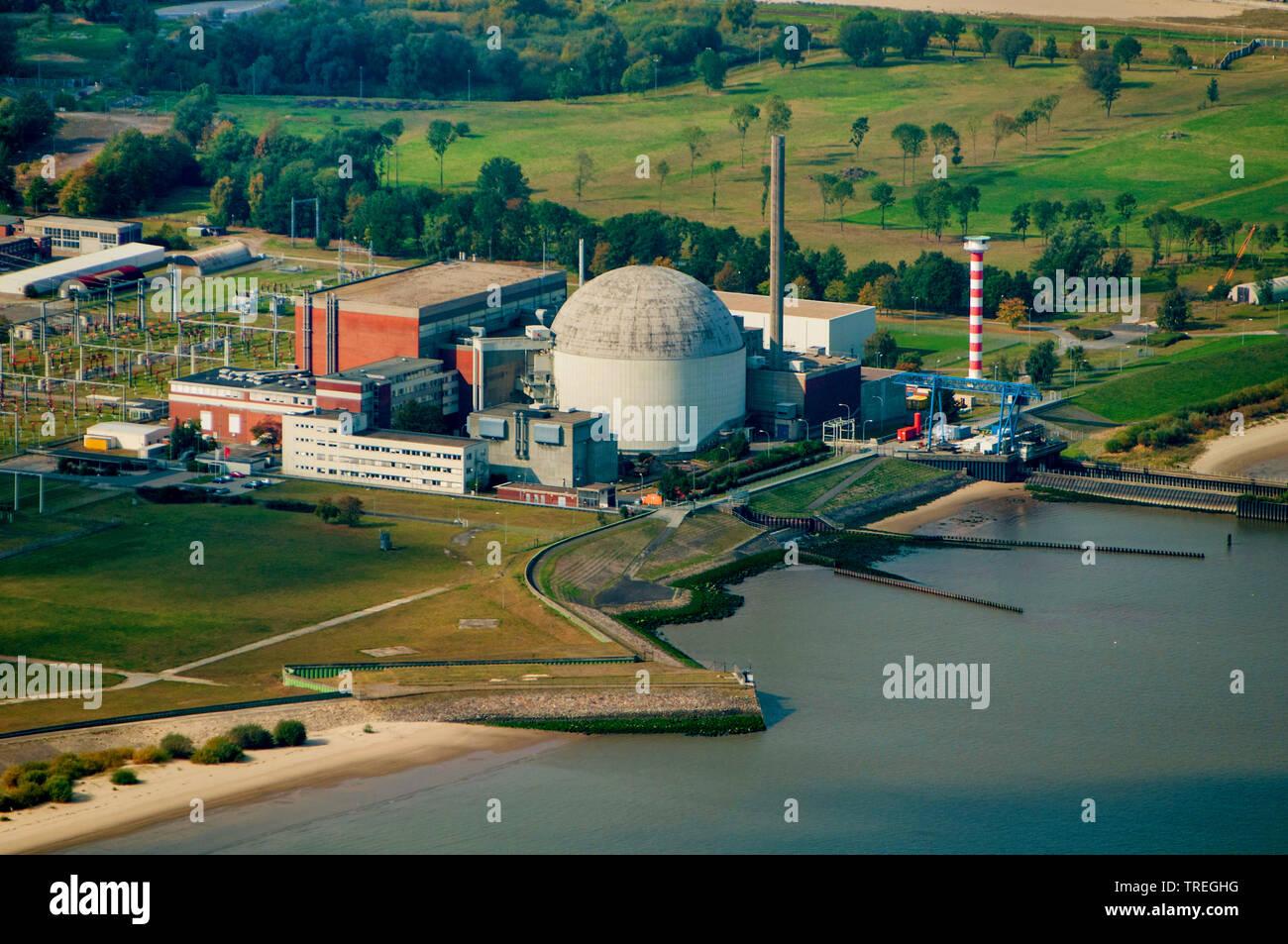 Kernkraftwerk Stade an der Elbe, im Rueckbau, Luftbild, Deutschland, Niedersachsen | nuclear power station Stade at river Elbe, aerial picture, German - Stock Image