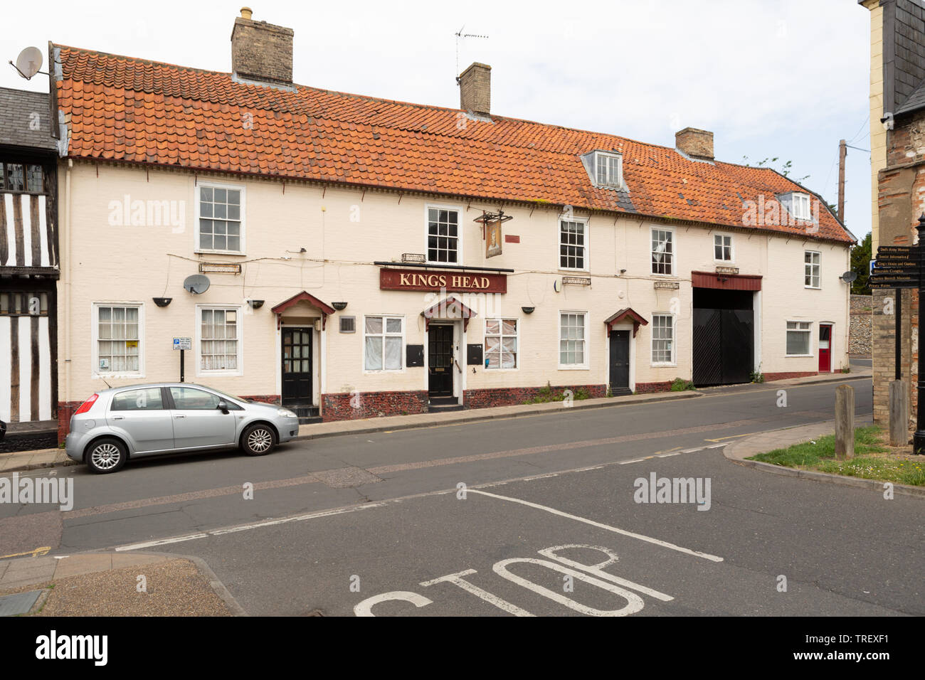 Kings Head public house, White Hart Street, Thetford, Norfolk. unsharpened - Stock Image