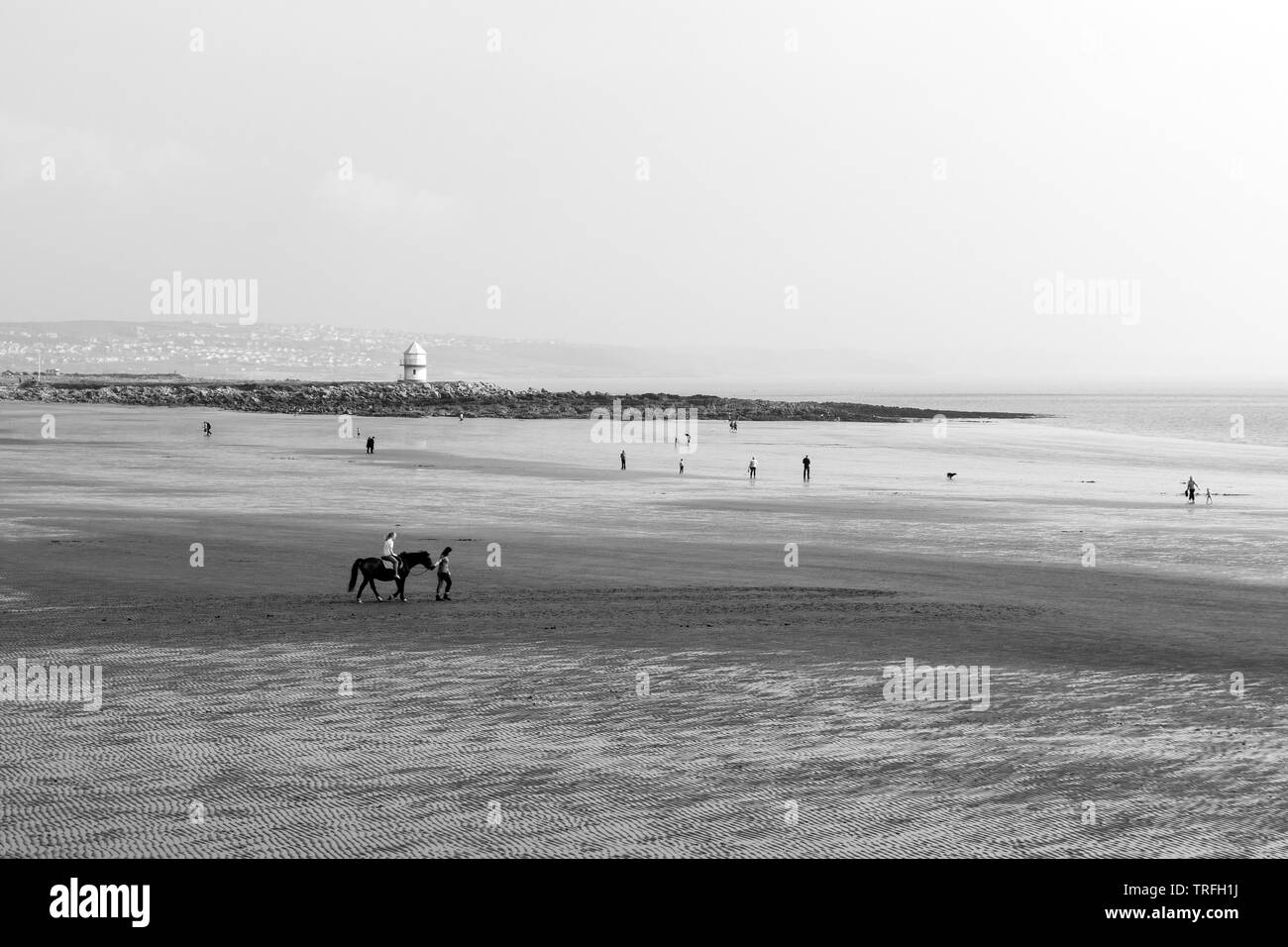 Sunny Afternoon at Coney Beach in Wales - Stock Image