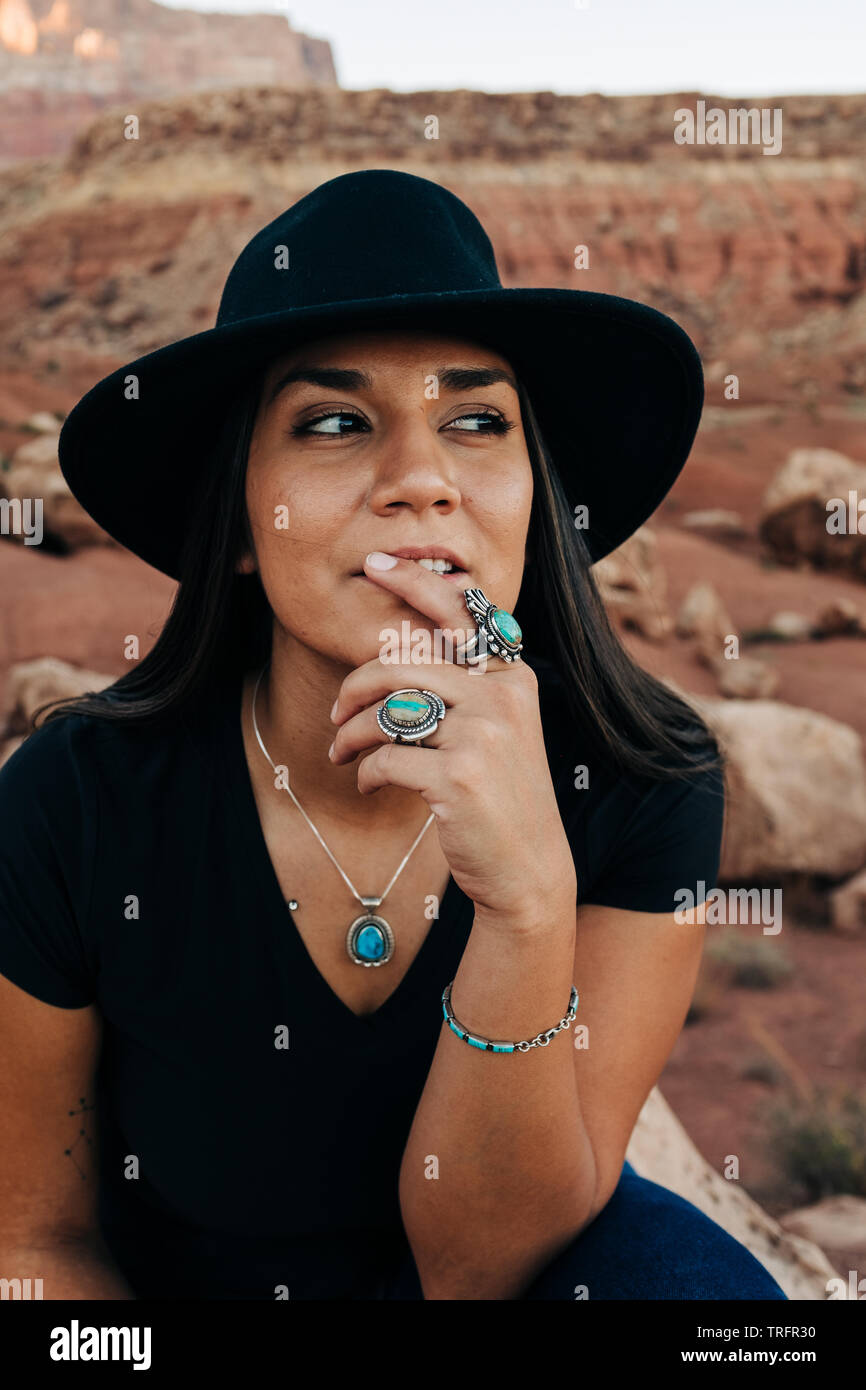 Native American Model High Resolution Stock Photography And Images Alamy