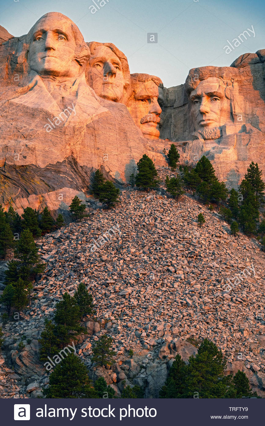 On a part of the Black Hills are carved giant heads of four American presidents : George Washington, Thomas Jefferson, Abraham Lincoln and Theodore Roosevelts. granite surface of Mount Rushmore National Memorial. South Dakota, U.S.A Stock Photo