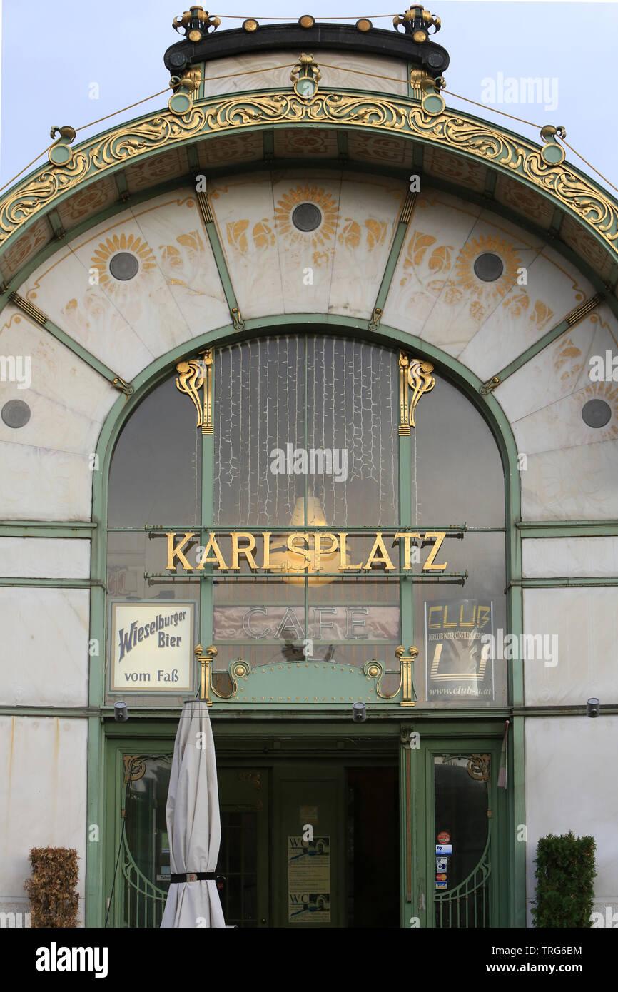 Karlsplatz Metro Station By Otto Wagner. Vienne. Autriche. Stock Photo