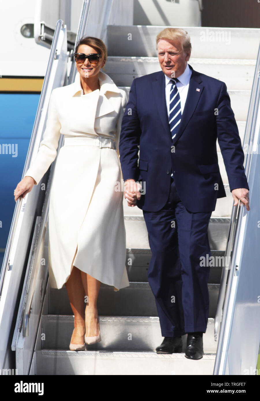 Shannon Airport, Ireland. 05th June, 2019. 5/6/2019. United States President of America Donald Trump Visits Ireland. Pictured is the President of the United States Mr Donald Trump and the First Lady Melania cominthe step of Airforce One while arriving at Shannon Airport, Ireland. Photo: Leah Farrell / RollingNews Credit: RollingNews.ie/Alamy Live News Stock Photo