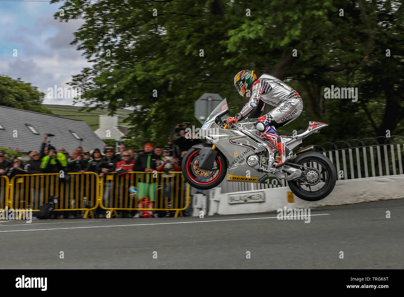 Peter Hickman (10) - Norton Motorcycles in action in the Bennetts Lightweight class qualifying session at the 2019 Isle of Man TT (Tourist Trophy) Rac - Stock Image