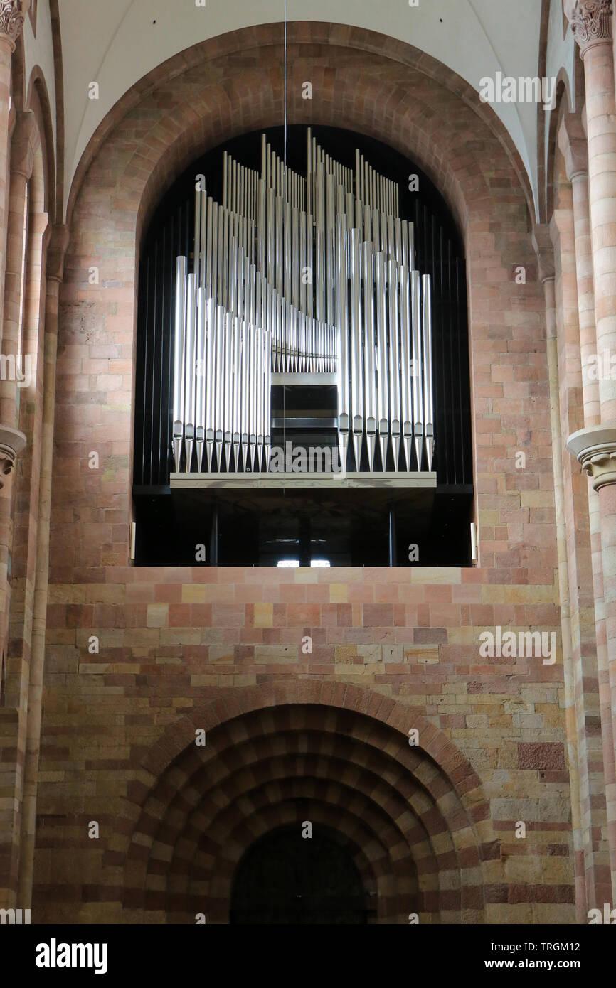 Le grand orgue. 1961. Cathédrale Notre-Dame-de-l'Assomption-et-Saint-Etienne de Spire. Allemagne. - Stock Image