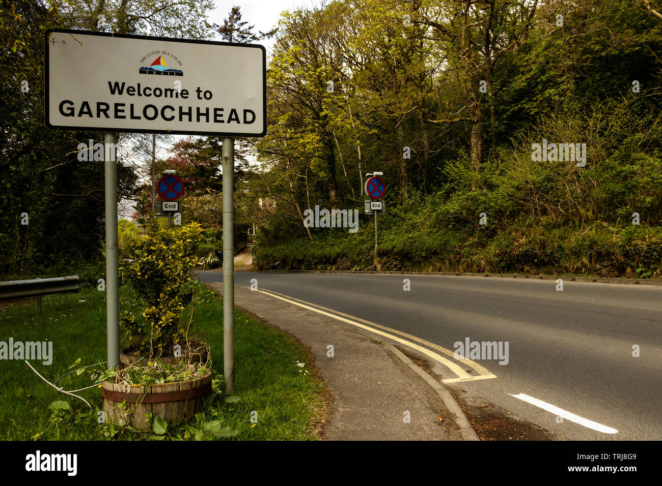 The Village of Garelochhead Welcome - Stock Image